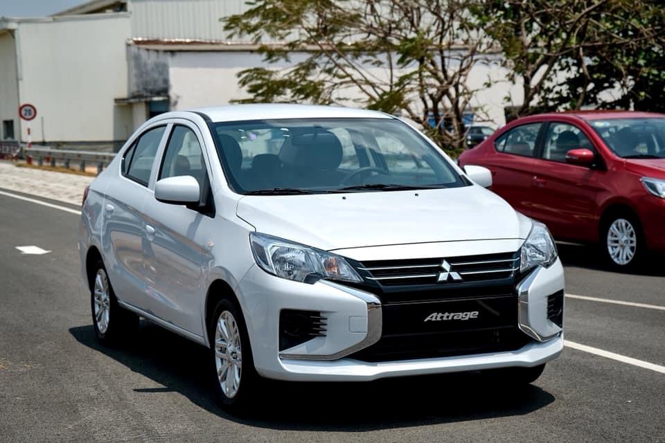 Cận cảnh Mitsubishi Attrage phiên bản số sàn có giá bán 375 triệu đồng