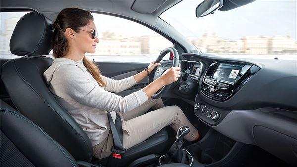 Hướng dẫn cách lái xe sàn cơ bản cho người mới bắt đầu