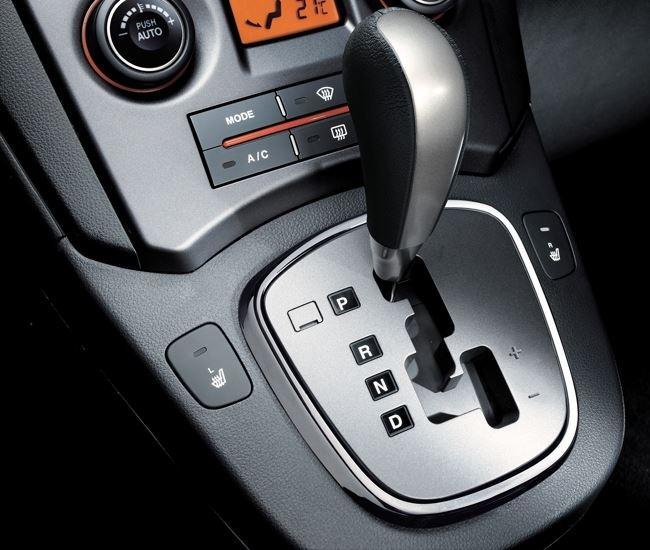 Hướng dẫn cách lái xe số tự động an toàn – tiết kiệm xăng