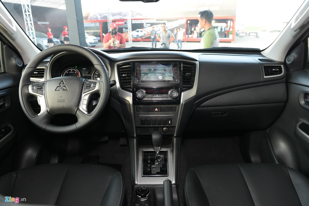 Những mẫu ôtô dưới 1 tỷ có trang bị phanh tự động tại VN